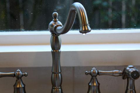 1012-grattitude-faucet