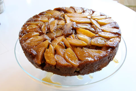apple-cake-beauty-shot