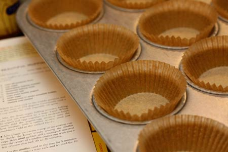 1230-cranberry-muffins-cups_vg